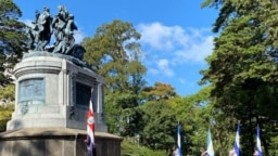 <p>Con un acto en el Monumento Nacional que honra a las cinco naciones centroamericanas en la guerra contra los filibusteros de 1856-1857, comenzaron en Costa Rica las celebraciones del Bicentenario de la Independencia. Foto: Armando Gómez</p>