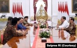 Presiden Joko Widodo menerima Pimpinan MPR RI di Istana Merdeka, Jakarta, 16 Oktober 2019. (Foto: Setpres RI)