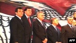 Izbor vlade na čelu sa Vojislavom Koštunicom poremetilo pozitivan diplomatski tok Srbije od 5. oktobra, smatra Zoran Sekulić