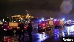 İçinde Güney Koreli turistler bulunan tekne Tuna nehrinin Macaristan Parlamentosu yakınlarındaki bölgesinde alabora oldu.