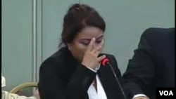 Una de las expositoras ante la CIDH rompe a llorar cuando habla de su hijo desaparecido por la violencia del narcotráfico.