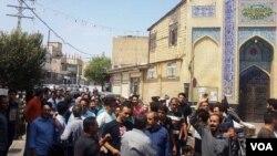 در هفته های اخیر اعتراضات دوباره در ایران شروع شده و اینبار برعکس دی ماه، شهرهای بزرگ درگیر اعتراضات هستند.