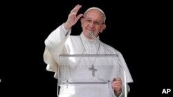 Paus Fransiskus di Vatikan (foto: dok).