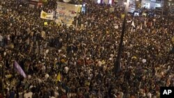 Thousands of demonstrators gather to protest at Puerta del Sol square in Madrid, Spain, May 12, 2012.