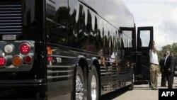 Başkanın yeni kurşun geçirmez, bomba işlemez otobüsü