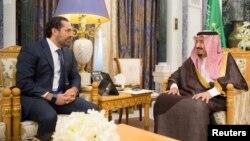 دیدار سعد حریری نخست وزیر لبنان (چپ) با ملک سلمان پادشاه سعودی در ریاض - ۱۵ ابان ۱۳۹۶