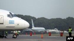 Nhiều chuyến bay bị hủy bỏ vì mây tro của núi lửa Puyehue Cordon Caulle tại Chile