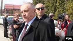 Dragan Vikić i drugi se brane sa slobode