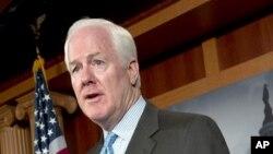 Le sénateur John Cornyn du Texas, fait valoir qu'augmenter le salaire minimum renforcerait le chômage