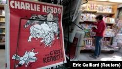 Charlie Hebdo, nổi tiếng về những bức hí họa trên trang bìa chế nhạo các nhà lãnh đạo chính trị và tôn giáo.