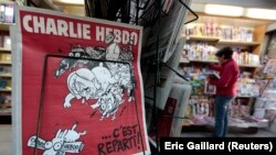 La revista satírica Charlie Hebdo recibirá el premio al Valor en la Libertad de Expresión.