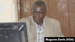 Veteran South Sudanese journalist Alfred Taban was detained by police after publishing an editorial that was critical of a public official. (VOA/Mugume Davis)