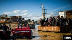 هفتمین روز از جاری شدن سیل در شهر آققلا گلستان