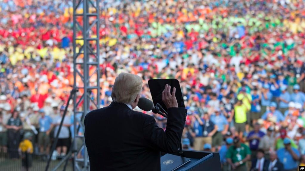 Tổng thống Donald Trump phát biểu trước các hướng đạo sinh ở Glen Jean, bang West Virginia, ngày 24/7/17