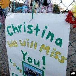 Une affiche des camarades de la défunte Christina
