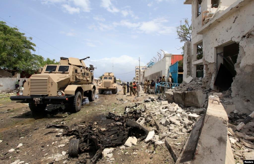 Из-за обстрелов террористов транспортные коридоры на линии разграничения будут закрываться, - СНБО - Цензор.НЕТ 4390