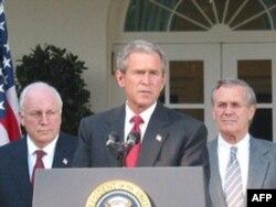 Cheyni har ikki Bush, ota-bola prezidentlar, bilan ishlagan
