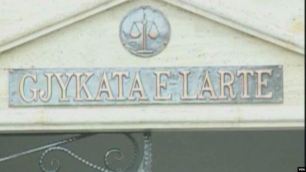 Shqipëri, përgjysmohet Gjykata e Lartë