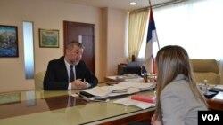 Ministar Alen Šeranić u razgovoru sa novinarkom Glasa Amerike
