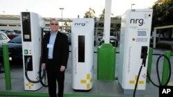 بر اساس این قرار داد ایستگاه های چارچ موتر های برقی نیز احداث خواهد شد که در ظرف ۳۰ دقیقه موتر برقی را چارچ می کند