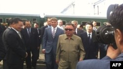 Ким Чен Ир во время поездки по Сибири.