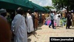 Alhaji Saidu Musa Yalwa shugaban kwamitin marayu na kungiyar IZALA shi ya jagoranci raba kayan tallafin a Abuja jiya.