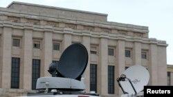 Des médias devant le siège européen des Nations unies à Genève, en Suisse, le 29 janvier 2016. (REUTERS/Denis Balibouse)
