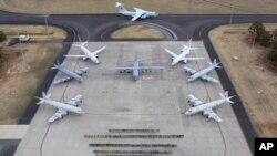 Fuerza aérea multinacional envuelta en la operación de búsqueda del avión malasio.