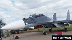 8月莫斯科航展上展出的苏-30SM战机(美国之音白桦拍摄)