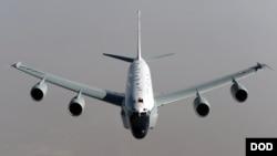 американський літак-розвідник RC-135