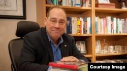 브루스 벡톨 미국 앤젤로주립대 교수.