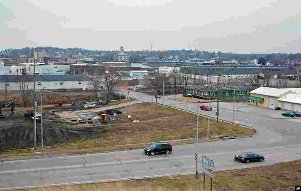 爱荷华小城马斯卡廷座落在密西西比河边,居民大约2万3千人。跟爱荷华其他小城一样,农业和畜牧业为地方经济的支柱。