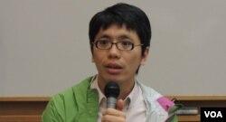 """香港岭南大学文化研究系前助理教授、《独立媒体》创办人之一叶荫聪表示, 《端传媒》主要是报道中、港、台三地的新闻,涉及新加坡的内容比较少, 因此会""""得罪""""新加坡政府的机会应该不大 (美国之音/汤惠芸)"""