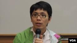 """香港嶺南大學文化研究系前助理教授、《獨立媒體》創辦人之一葉蔭聰表示, 《端傳媒》主要是報道中、港、台三地的新聞,涉及新加坡的內容比較少, 因此會""""得罪""""新加坡政府的機會應該不大。(美國之音 湯惠芸)"""