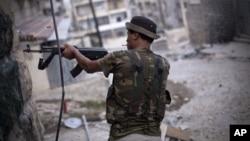 Binh sĩ của quân đội Syria tự do tại thành phố Aleppo