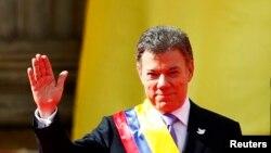El presidente colombiano Juan Manuel Santos inicia su segundo periodo presidencial en una ceremonia en Bogotá el 7 de agosto.