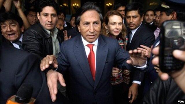 Según Toledo, la denuncia es una maniobra política para perjudicar su candidatura a la primera magistratura del país.