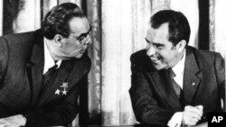 Леонид Брежнев и Ричард Никсон. Архивное фото 1973г.