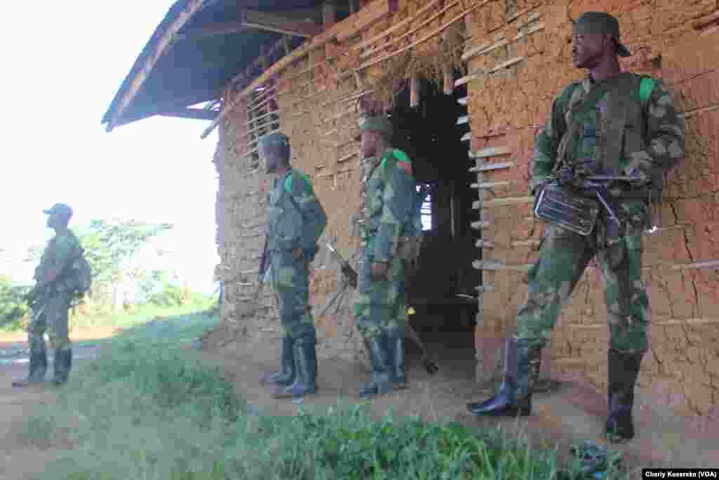 VENDREDI.Les habitants ont fui les villages de Biane et Tingwe, dans la région de Beni, après une énième attaque à l'arme blanche attribuée aux rebelles islamistes ougandais des ADF, rapporte le correspondant de VOA Afrique. LIRE L'ARTICLE ICI.
