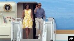 Barak Obama rafiqasi Mishel bilan, 10-avgust, 2013