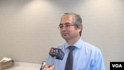 美国维吾尔协会副主席伊利夏提(Ilshat Hassan)