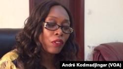Madeleine Alingué ministre de la communication porte-parole du gouvernement chargé des relations avec l'assemblée nationale à N'Djamena, Tchad, 21 mars 2017. (VOA/André Kodmadjingar)