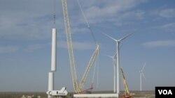 El Parque Eólico de Rawson representa la incorporación de centrales de generación eléctrica alimentadas con fuentes renovables.