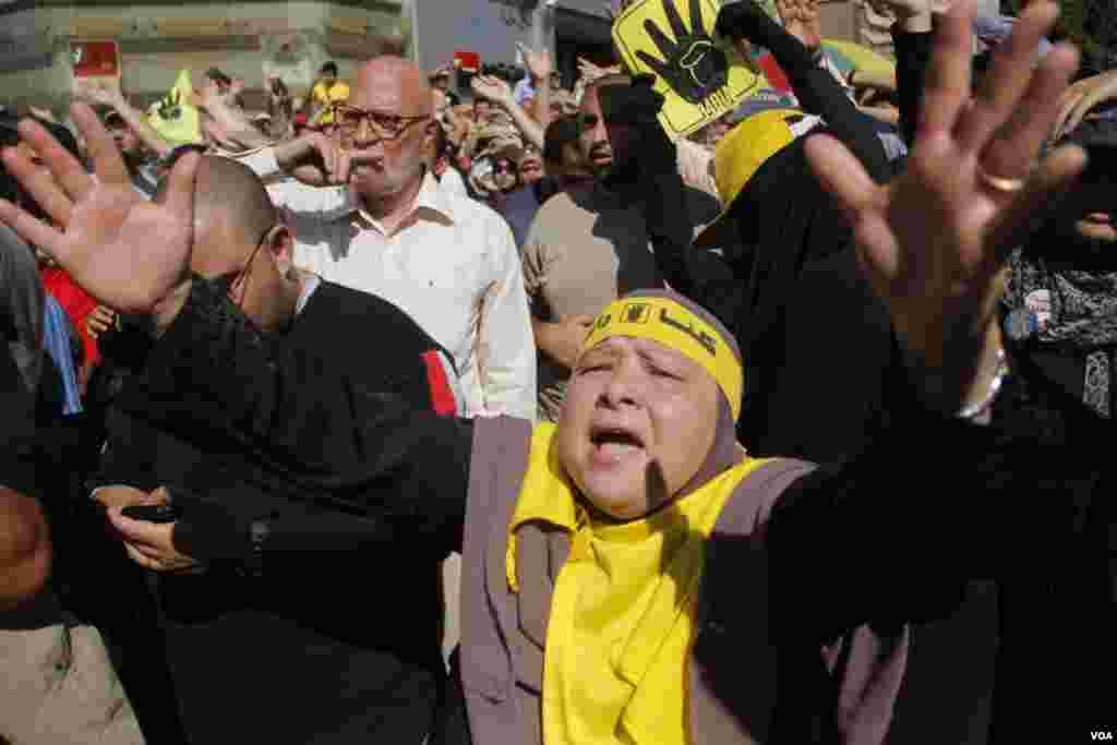Prosvjednici u Nasr Cityju, u Kairu, 11. oktobra 2013. (Hamada Elrasam for VOA)