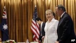 Državna sekretarka Hilari Klinton i sekretar za odbranu Lion Paneta u Australiji