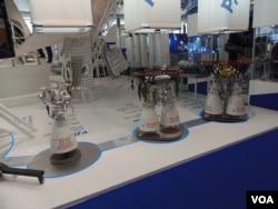 2013年莫斯科航展上展出的火箭发动机模型(美国之音白桦拍摄)