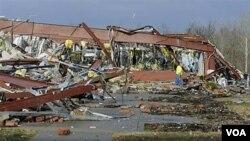 En el condado de Harrisburg siete personas perdieron la vida a causa de los tornados de este fin de semana.