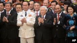 Ông Trần Đại Quang cùng các quan chức Việt Nam tại Đại hội Đảng 12 đầu năm 2016.