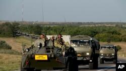 Ruska vojna vozila na drugmu oko 15 kilometara od ukrajinske granice, u regionu Rostova na Donu, 15. avgusta 2014.