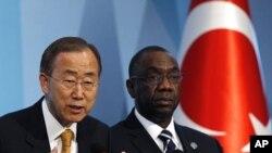 联合国秘书长潘基文(左)和非洲特别顾问迪亚拉(右)在土耳其出席联合国第四届最不发达国家会议(2011年5月9号资料照)